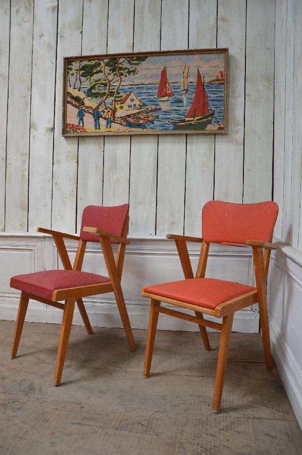 2 Vintage Chairs FAE412
